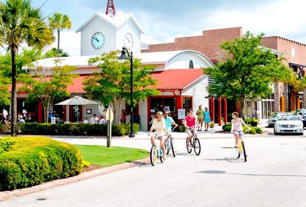 Hop on bikes to tour Charleston, SC. Photo courtesy of explorecharleston