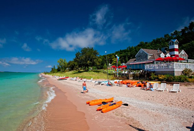 Lake Resorts in the Midwest for Family Summer Getaways: The Homestead