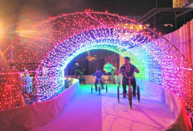 What's Open on Christmas Day in LA: 15 Fun Things To Do | Mommy Poppins - Things To Do in Los ...