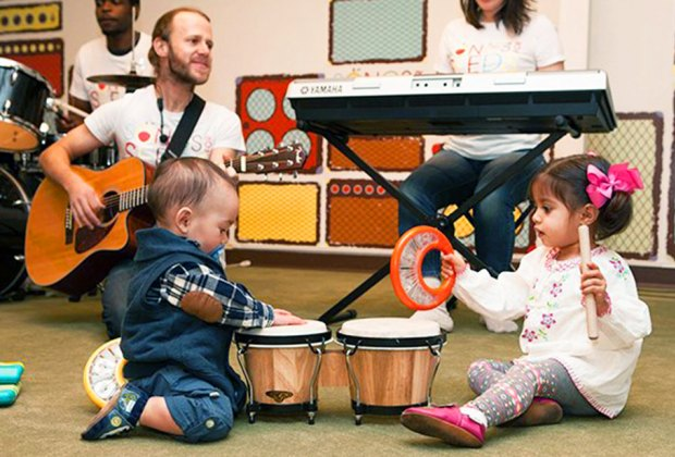 Mandarin Munchkins learn Chinese through music and play with their grown-ups at China Institute.