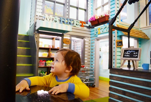 """City Owlets' fun-sized market and pizzeria let kids try out """"grown-up"""" activities. Photo by Sydney Ng"""