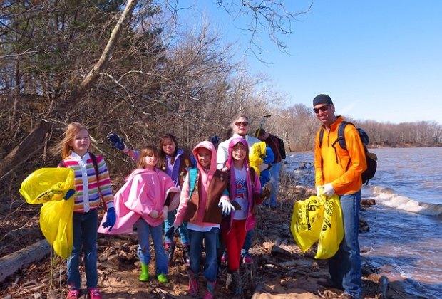 Youth Volunteer Opportunities in Hartford County