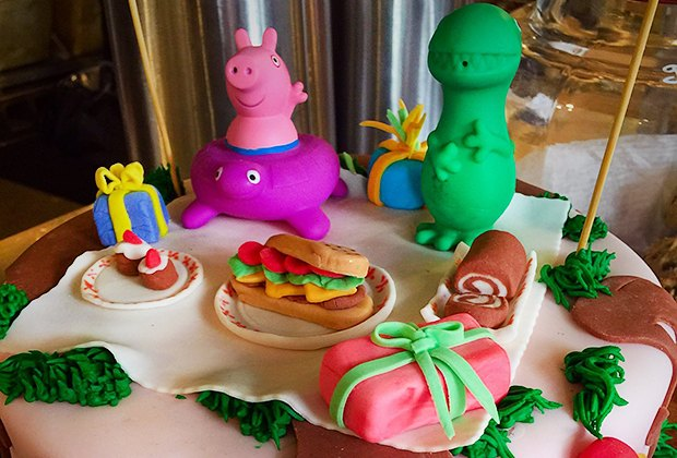 Excellent 10 Birthday Cake Bakeries In Nyc With Stunning Designs For Kids Funny Birthday Cards Online Aboleapandamsfinfo