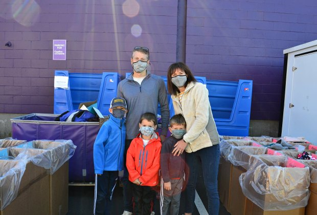 Volunteer Opportunities Christmas 2020 Washington Dc Holiday Volunteering With Kids Near Boston in 2020 | MommyPoppins
