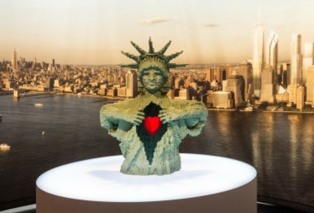 The Statue of Liberty has real heart in The Art of the Brick