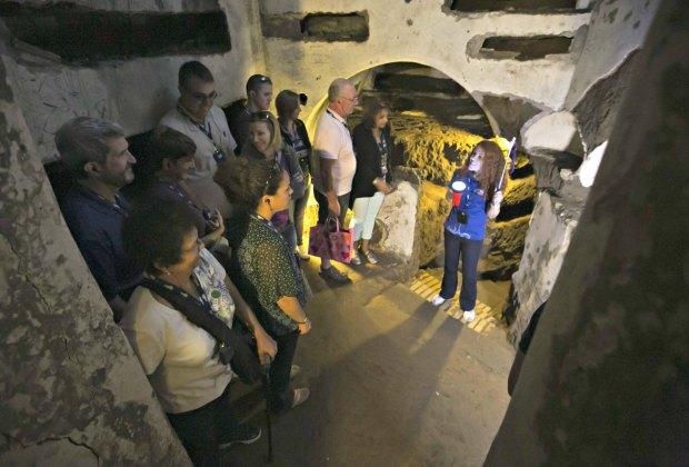 Crypt tour. Photo courtesy of King's Chapel