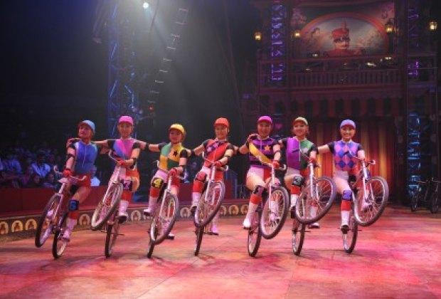 Super cyclists of the Big Apple Circus' Dalian Troupe. Photo courtesy of the Big Apple Circus