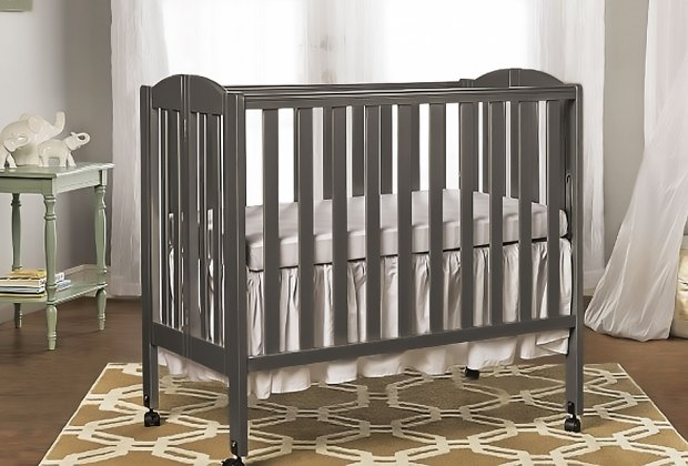 5 Baby Gear Essentials for a Small One Bedroom Apartment ...