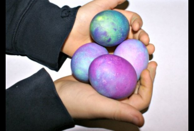 Beautiful Easter Eggs and clean hands!