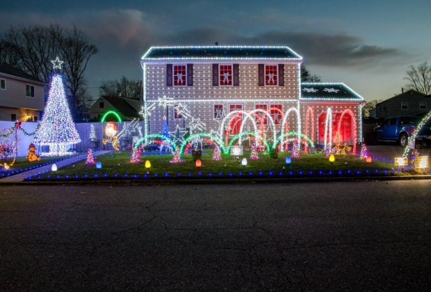 Elwood Road Dancing Lights Show Christmas lights in Centereach