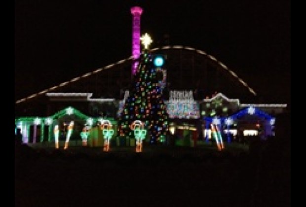 A Night Out at Lake Compounce Holiday Lights in Bristol, CT ...