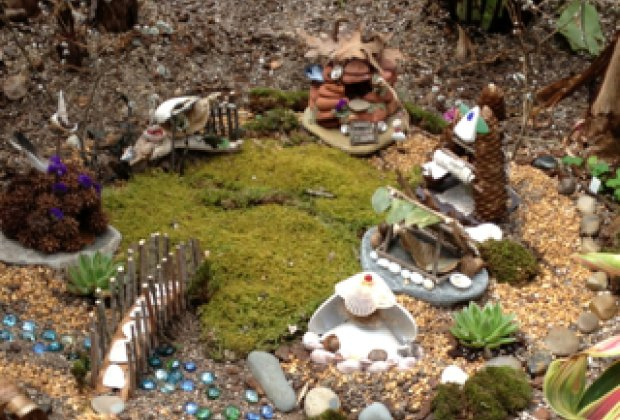 For The Past Three Years During April Vacation, We Have Visited The Roger  Williams Park Botanical Center To See The Fairy Gardens.