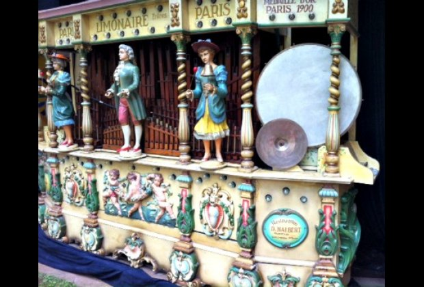 Fête Paradiso is much more than rides. It's like visiting an outdoor museum of vintage French carnival attractions