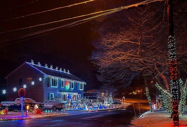 Forest Lane's dancing Christmas lights