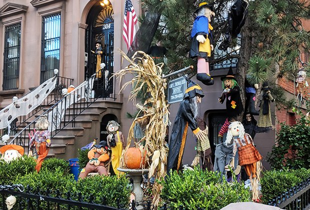 Big Lots Halloween Decorations 2019.Best Places To Trick Or Treat On Halloween With Nyc Kids