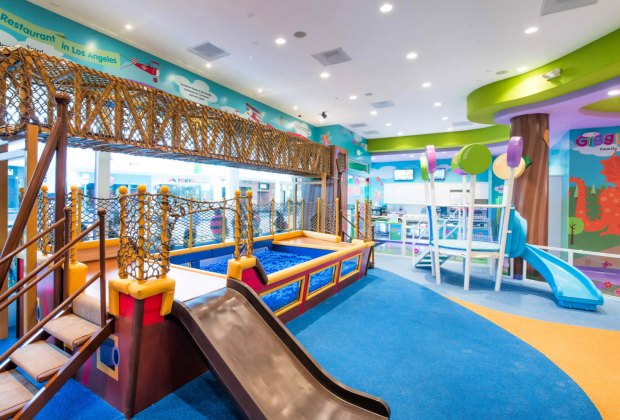 10 Great LA Restaurants Where Kids Can Play While Parents