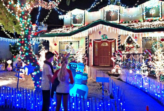 Christmas Tree Lights Houses Neighborhoods Las Vegas 2020 Best Christmas Light Displays and Home Holiday Decorations around
