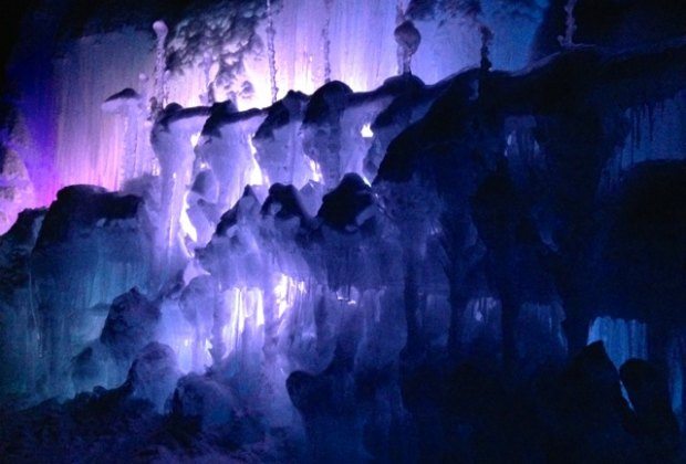 Ice Castles Nh A Real Life Frozen Palace In Lincoln