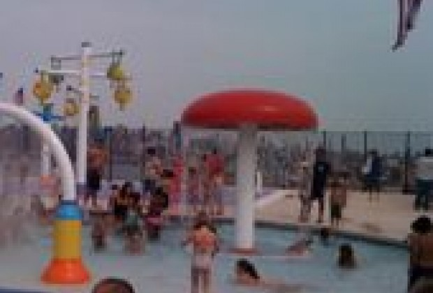 New Water Feature Playground In Union City Nj A Big Splash With Kids Mommy Poppins Things