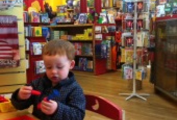 Nyc toy stores best toy shopping on the upper west side for Things to do in nyc for kids today