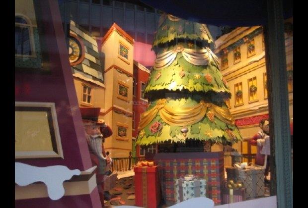 Virginia's Christmas tree at Macy's