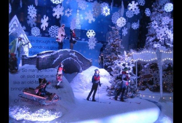 A snowy NYC Christmas at Lord & Taylor