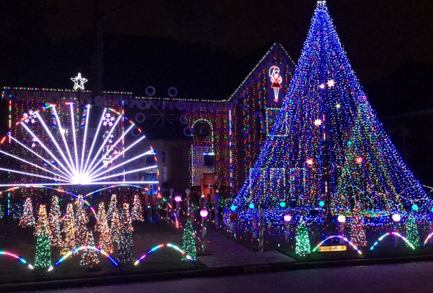 Christmas Light Displays.Best Houston Neighborhoods And Homes For Viewing Holiday