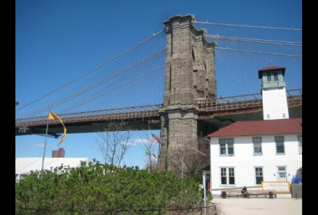 Brooklyn Bridge Park's iconic namesake