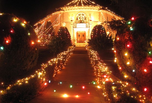 Naples Long Beach Christmas Lights 2018.Best Christmas Lights And Awesomely Decorated Homes Around