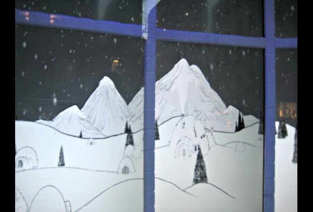 Choose a virtual snowflake on your smartphone and watch it twirl through Saks Fifth Avenue's windows