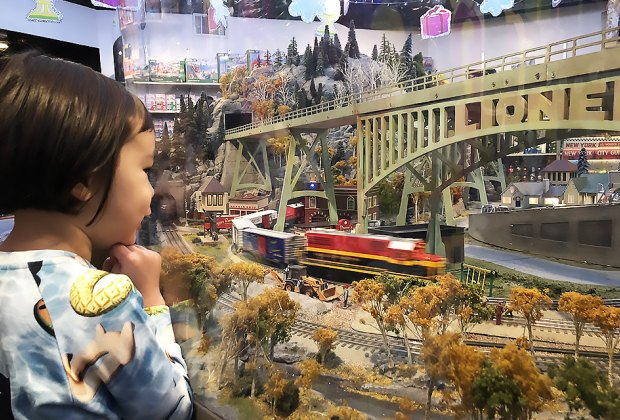 35 Fun Things to Do with NYC Kids Over the Holiday Break