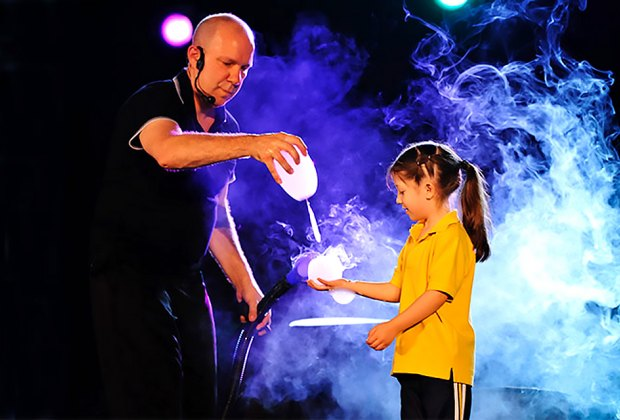See the newest, funniest, zany spectacular from world-famous, Guinness Book of World Records–holding, master bubble wrangler Jeff Boyer. Photo courtesy of the artist