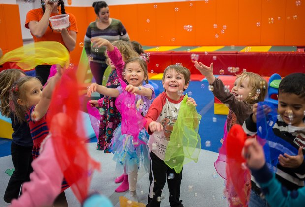 14 Brooklyn Gym Party Spots For Kids Mommypoppins Things To Do