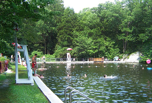 Swimming Lakes Near NYC for a Family Dip | MommyPoppins