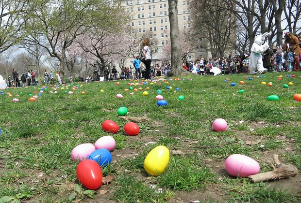 Think 'N' Fun's annual Easter egg hunt. Photo by Lee Uehara