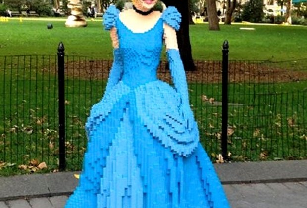 Check Out These Amazing Lego Sculptures in Madison Square Park ...