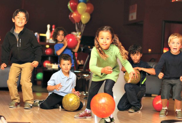 Montrose Bowl Christmas Party 2020 Bowling Alleys with Free and Cheap Bowling for Kids All Over LA