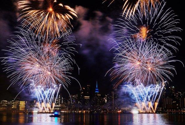 Macy's free Fourth of July Fireworks