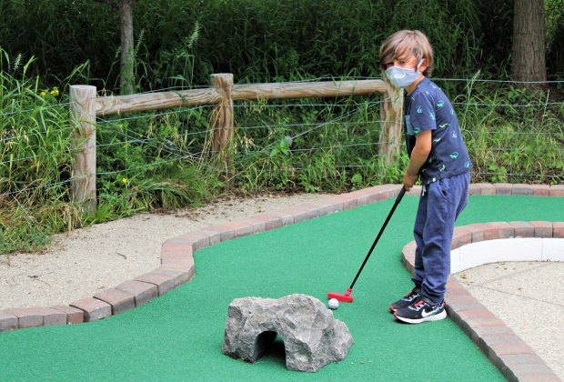 15 mini golf courses near chicago for kid friendly putt putt mommypoppins things to do in chicago with kids 15 mini golf courses near chicago for