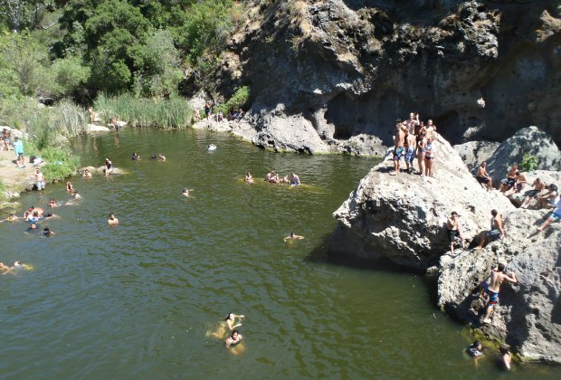 10 Swimming Lakes Near Los Angeles You Need to Discover