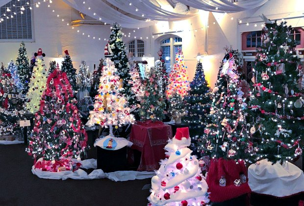 Christmas Events December 2021 And Holbrook Ma 25 Must Do Christmas Events And Activities In New England With Kids In 2020 Mommypoppins Things To Do With Kids