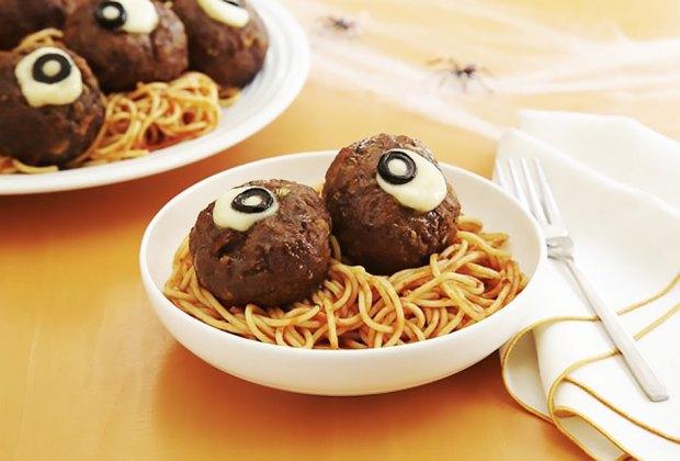 April Fools' Day Food Pranks : Meatball Eyeballs