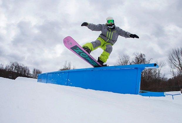 Mountain Crekk Snowboarder jumping at Mountain Creek Best Snowboarding NYC