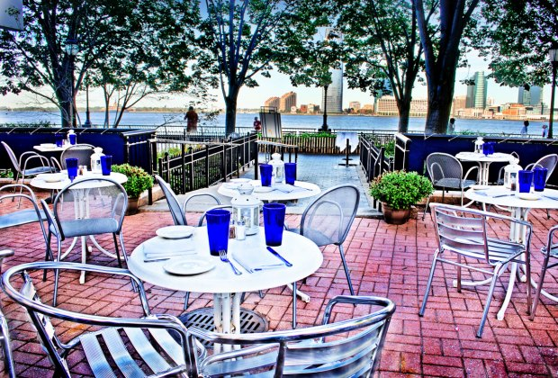 13 NYC Restaurants with Backyards and Patios for Kid