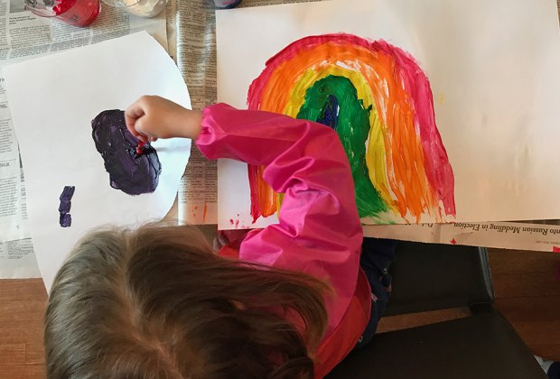 50 Indoor Activities For Kids On A Rainy Day Mommypoppins Things To Do In New York City With Kids