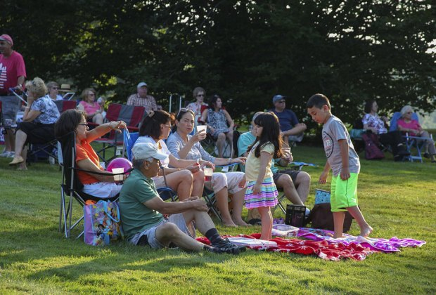 Enjoy a picnic and some outdoor music at Old Westbury Gardens' traditional Picnic Pops series. Photo courtesy of the gardens.