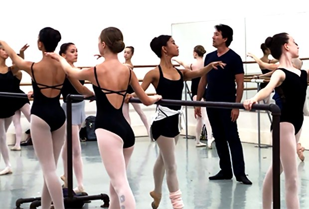 NJ School of Ballet offers top-notch training in classical ballet, as well as tap, hip-hop, jazz, and contemporary.