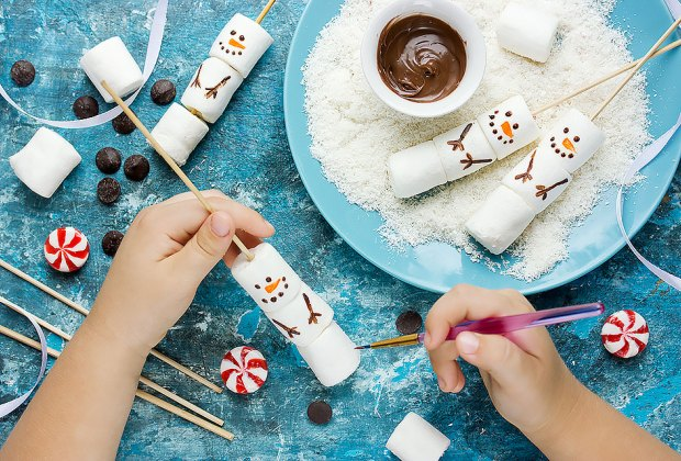 40 Snow Day Boredom Busters for Kids | MommyPoppins - Things