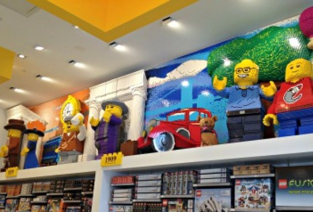 Enjoy Hands-on Building Fun at the Brand-new Flatiron Lego Store ...