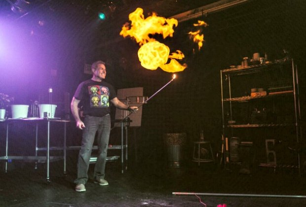 That Physics Show' Makes Science Even Cooler Than Magic